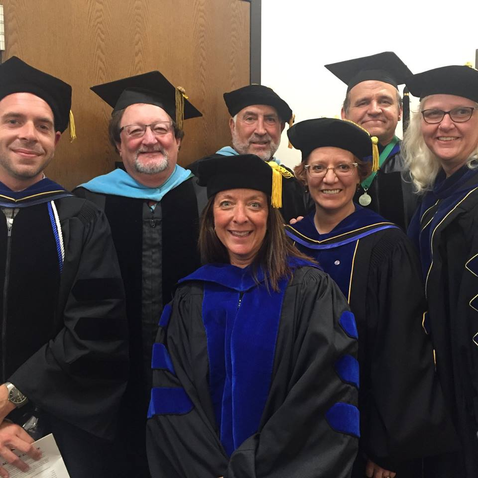 hooding-spring-2016-faculty-pic