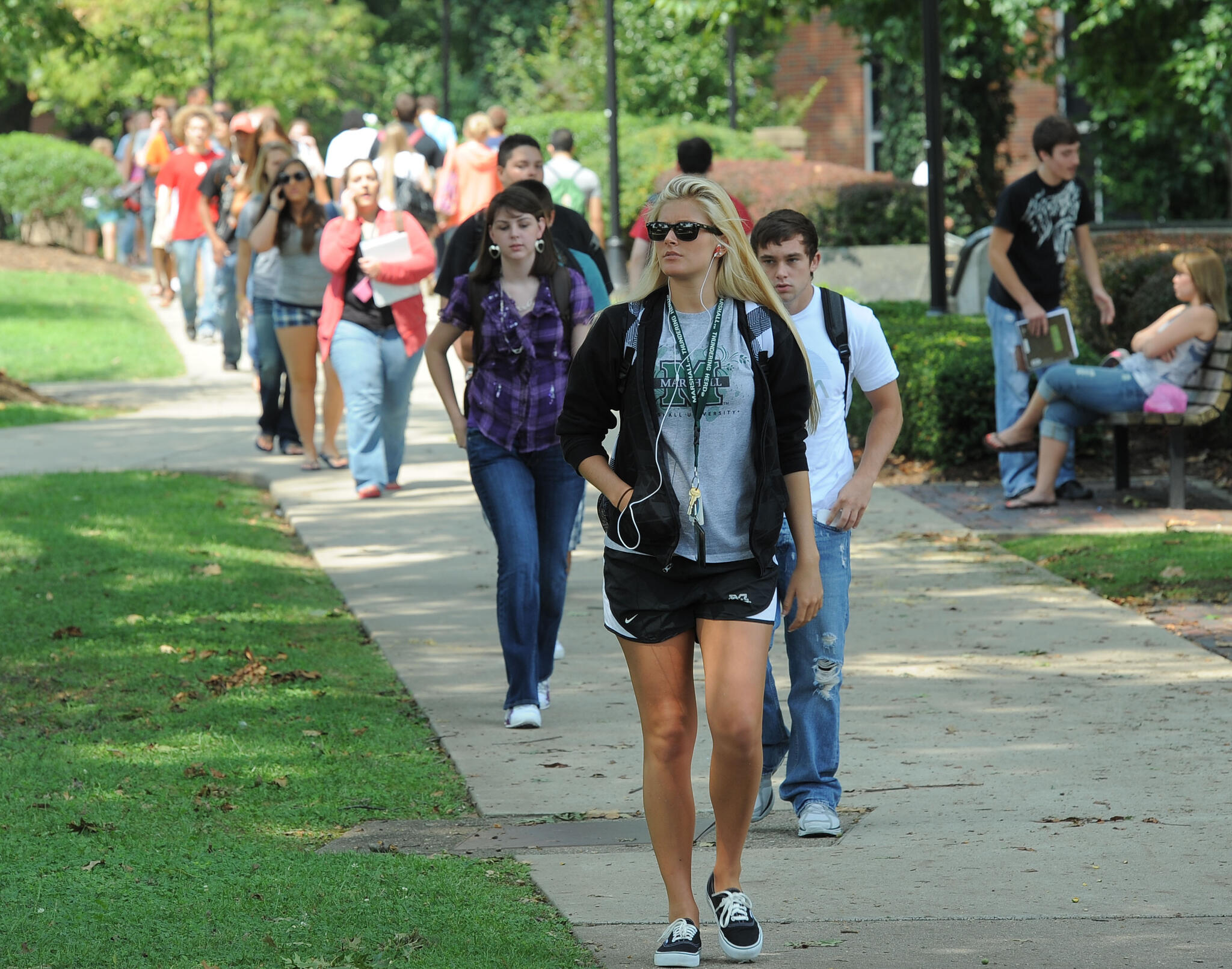 Marshall students walking on campus