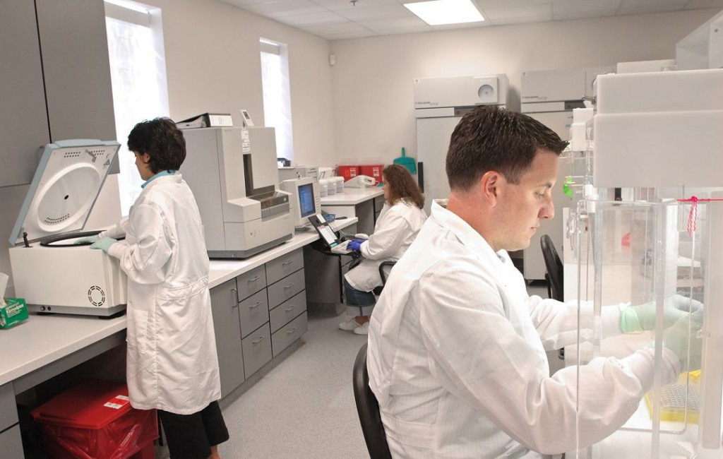 DNA Analysts in laboratory