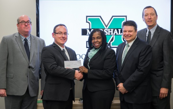 School of Pharmacy receives grant from Walgreens for diversity initiatives